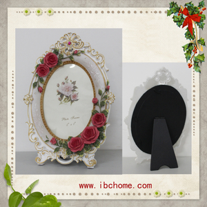 Christmas Memories Resin picture frame with 5 x 7inch